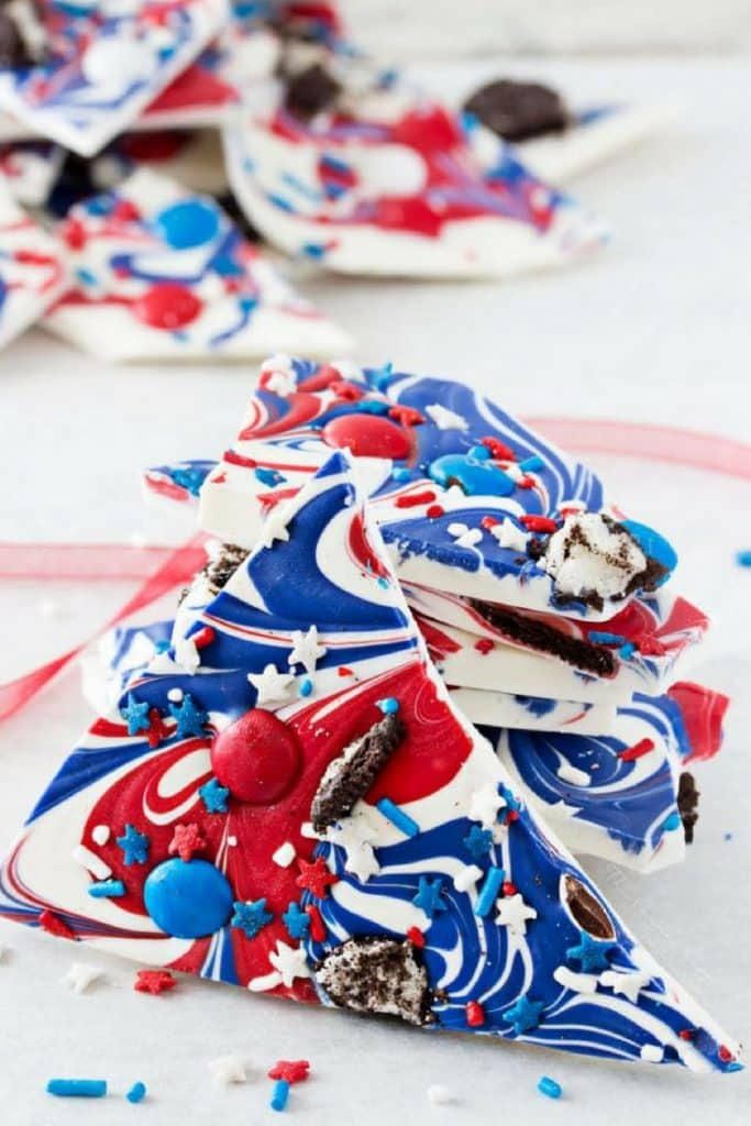 This simple and fun no-bake bark recipe is perfect for Memorial Day or Independence Day! So simple, even your kids can make it!